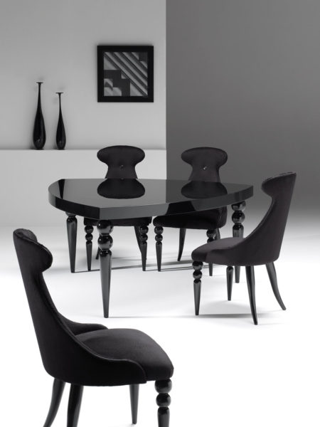 Tuxen table and chairs